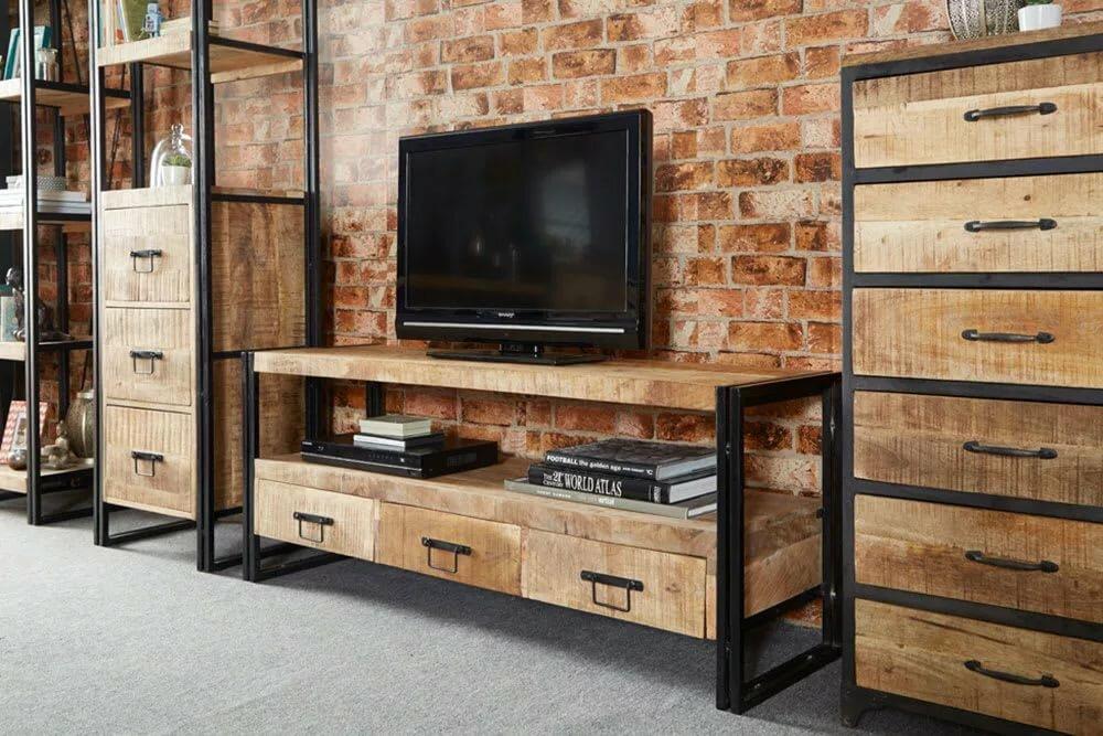 Деревянная мебель в лофт интерьере