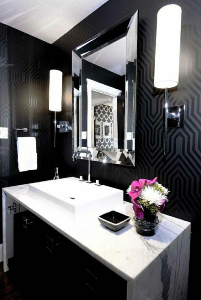 Дизайн ванны в черных и белых тонах